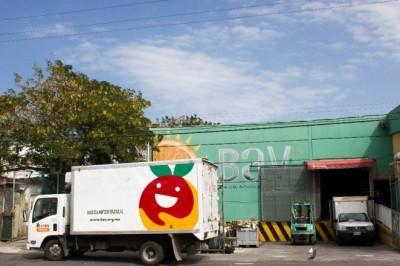 Banco de alimentos combate la pobreza de 27mil familias
