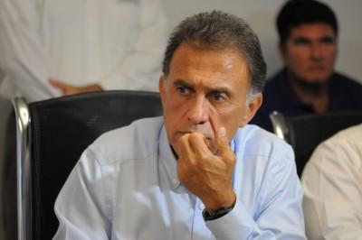 Amenaza Yunes Linares a Proceso