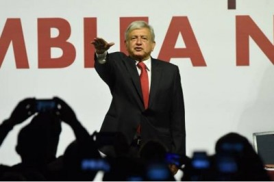 Aprueban a AMLO como candidato oficial por Morena a la presidencia de la república