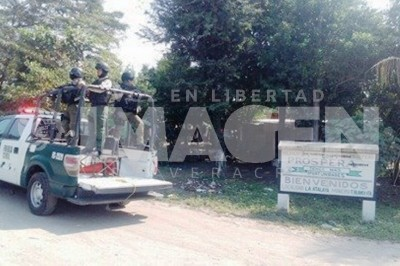 La Marina y policías Federales persiguieron camionetas sospechosas en en Tierra Blanca
