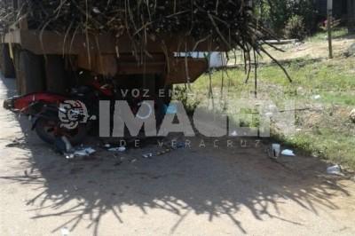 Siguen accidentes de motos en la cuenca del Papaloapan, dos muertos y un herido