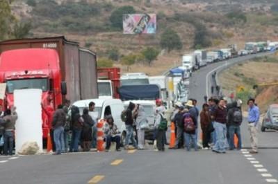 Sobre la carretera Tuxpan-Tampico se registra un bloqueo