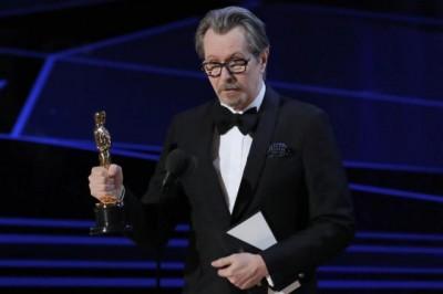 Gana por fin el Oscar