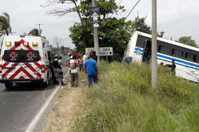 10 personas heridas en accidente del transporte público