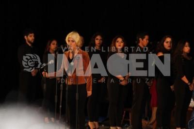 Entre musicales y amigos: Presentan concierto-performance en el auditorio de la UCC