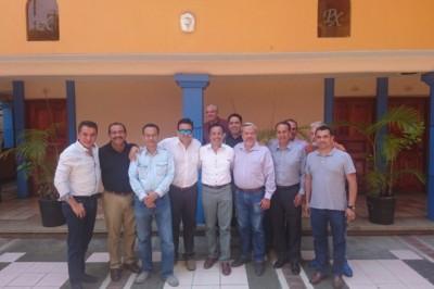 Panistas se unen a Morena en campaña