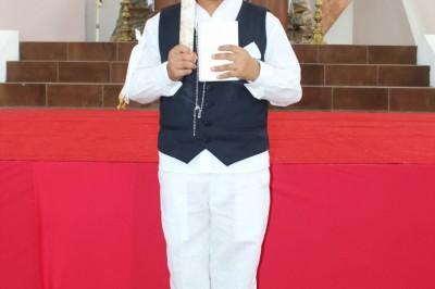 EL PAN DE LOS ÁNGELES :Cesar Eduardo Hernández Vázquez realiza su Primera Comunión