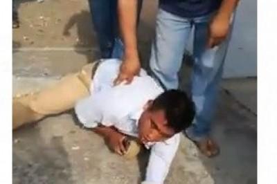 Hombre acosa a una señora en Coatza y recibe una golpiza