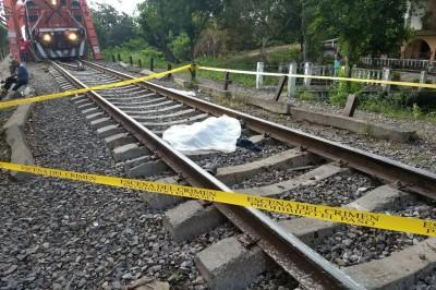 Hallazgo de una persona muerta en las vías del tren