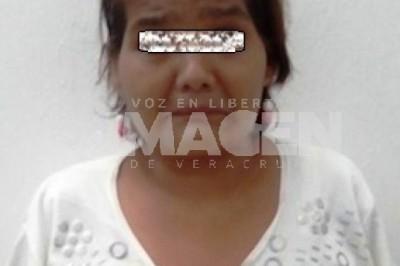 Detiene Policía Ministerial a mujer por trata de personas, en Coatzacoalcos