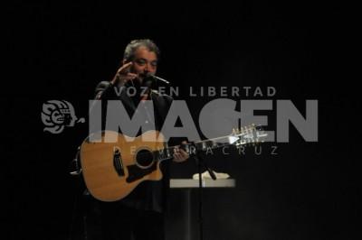 FILA VIP : En el concierto de Raúl Ornelas