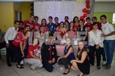 AGASAJAN A MAMÁ: Alumnos de Bachillerato de Colegio Lizardi organizan convivio