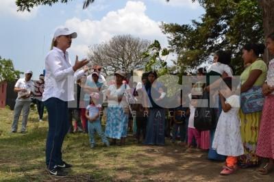 Compromete Candelas Doce desarrollo de comunidades bajo el trabajo de mujeres