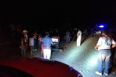 Tragedia en Tierra Blanca; vuelca camioneta y muere jovencita
