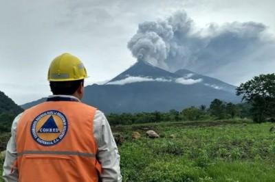 Niega UV riesgo en Veracruz tras erupción del volcán de fuego en Guatemala