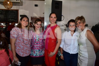 DESAYUNO DE MUJERES : Alicia Silva de Yunes es arropada