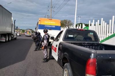 En Minatitlán, un hombre se infarta dentro de un camión