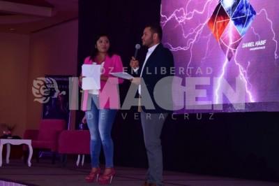 FILA VIP: En la conferencia 'Inquebrantables' de Daniel Habif