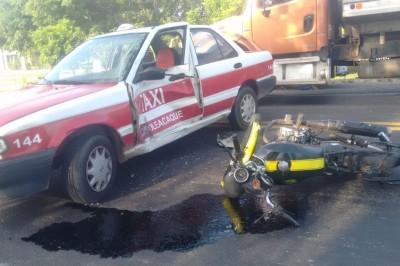 En Minatilán un choque deja una persona gravemente lesionada