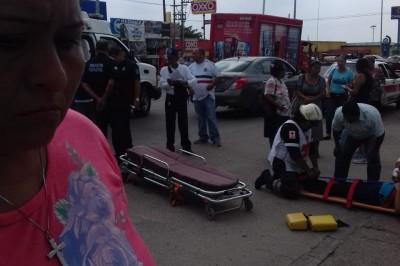 Ejecutan a joven mientras esperaba el camión en Minatitlán