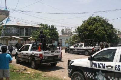 Apedrean a oficial en la colonia Caballerizas, Veracruz