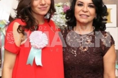 ESPERA A SU PRIMER HEREDERA :  Rossana Yunes Espinosa protagoniza baby shower
