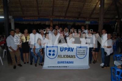 Finalizan sus estudios:Estudiantes de Bachillerato UPAV
