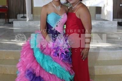 EDAD DE ILUSIONES: Karla Yamileth Hernández Toto cumple XV años