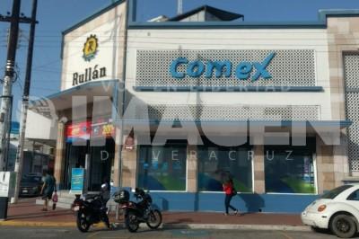 Individuos armados asaltaron la tienda de pinturas Comex en Flores Magón