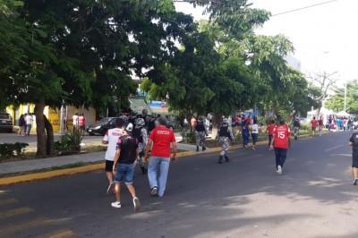 Se desatan disturbios afuera del estadio 'Pirata Fuentes'