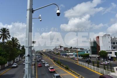 Inservibles 60 semáforos en Poza Rica