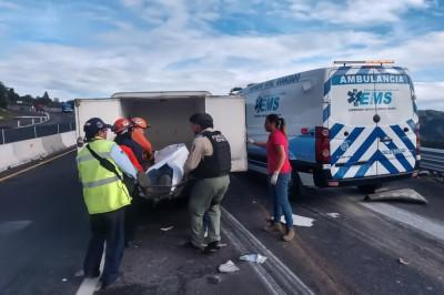 Accidente en la Xalapa - Perote como saldo un joven muerto