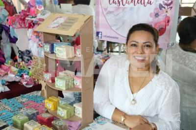 MUJERES TRABAJANDO: Isabel Álvarez Morales organiza exposición artesanal