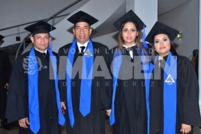 NUEVOS ABOGADOS: Alumnos de Derecho de la Universidad Jean Piaget se gradúan