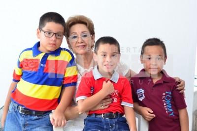 FESTEJA EN FAMILIA: Edith Macías Merino cumple un año más de vida