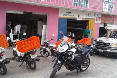 Un botín de aproximadamente 20 mil pesos y 5 celulares robaron de la carnicería