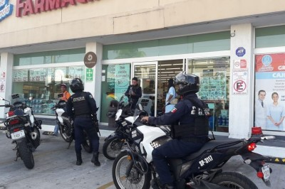 Un individuo armado con una pistola asaltó la farmacia Guadalajara de  la colonia Zaragoza