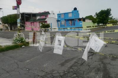 Vecinos del Coyol cierran calle por peligrosa