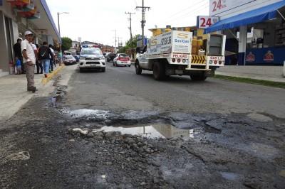 Alcalde de R. Cabada exhorta a reparar carretera del municipio