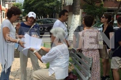 Vecinos de fraccionamiento en Boca de manifiestan por obras mal efectuadas
