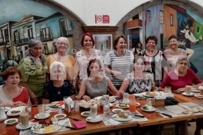 ORGANIZAN REUNIÓN : Maestras egresadas de la Escuela Normal La Paz realizarán festejo