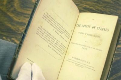 Subastan manuscrito de Darwin