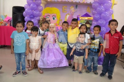 AL ESTILO RAPUNZEL : Alexa Monserrat Figueroa Cabrera cumple cinco años de vida