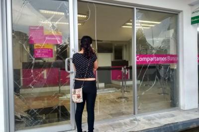 Posible robo a Compartamos en Minatitlán, provoca incendio