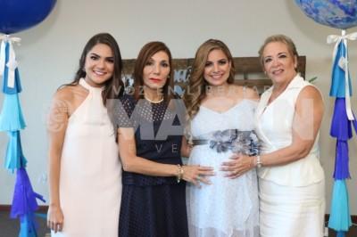 REGALO DIVINO : Lety Delgado de Martínez disfruta ameno festejo prenatal