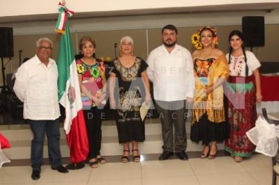 A LA MEXICANA: Integrantes de la Sociedad Cultural Baluarte disfrutan las 'Fiestas Patrias'