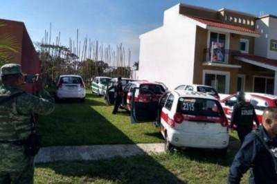 Aseguran flotilla de taxis a un familiar de Javier Duarte