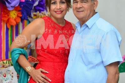 COLORIDA REUNIÓN : Hilda Cervantes Rodríguez festeja cumpleaños