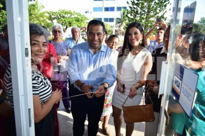 IMPULSAN EL COMERCIO LOCAL : Emprendedores veracruzanos inauguran 'Yoyolo'