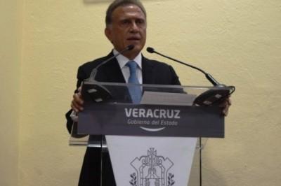 Regresa Yunes a Congreso de Veracruz observaciones a reforma a la ley del IPE